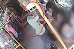 Giở trò đồi bại trên xe buýt, kẻ biến thái bị cô gái dạy bài học đáng nhớ