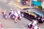 Băng trộm người nước ngoài suýt cướp 2 tỷ đồng giữa Sài Gòn