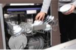 Tin dùng máy rửa bát, tích cả ổ vi khuẩn gây bệnh cho gia đình mà không biết