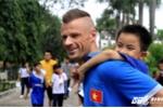 Tuyển Việt Nam mang không khí lễ hội tới làng trẻ em SOS