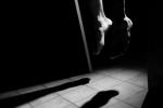 Nam thanh niên chết trong tư thế treo cổ trong vườn cao su