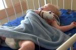 Bé trai 16 tháng bị mụn rộp lở loét khắp người vì nụ hôn của người lạ