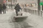 Hứng 'bão bom' khủng khiếp, dân Mỹ lo sợ kỷ băng hà quay trở lại