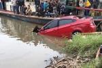 Ô tô tông gãy lan can cầu lao xuống sông, lái xe tử nạn