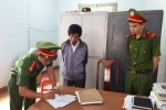 Bắt hiệu trưởng nhận tiền chạy việc ở Đắk Lắk