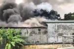 Clip: Cháy lớn kèm tiếng nổ gần trụ sở Liên đoàn Bóng đá Việt Nam