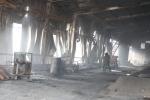 Công ty gỗ bốc cháy ngùn ngụt, 2 công nhân tử nạn lúc rạng sáng