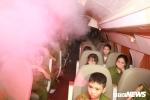 Gần 200 chiến sỹ nhí tập thoát hiểm đám cháy trên máy bay