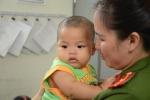 Đưa bé trai 7 tháng tuổi bị bỏ rơi trong nhà nghỉ vào trung tâm bảo trợ xã hội