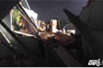 Cần cẩu hàng tấn rơi từ trên cao, một ngôi nhà bị đè bẹp ở Sài Gòn