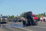 Video: Xe tăng Nga bổ nhào trên đường sau lễ duyệt binh