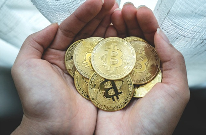 Giá Bitcoin hôm nay 18/1: Bitcoin tiếp đà giảm sâu, nhiều tiền ảo nguy cơ sụp đổ - 1