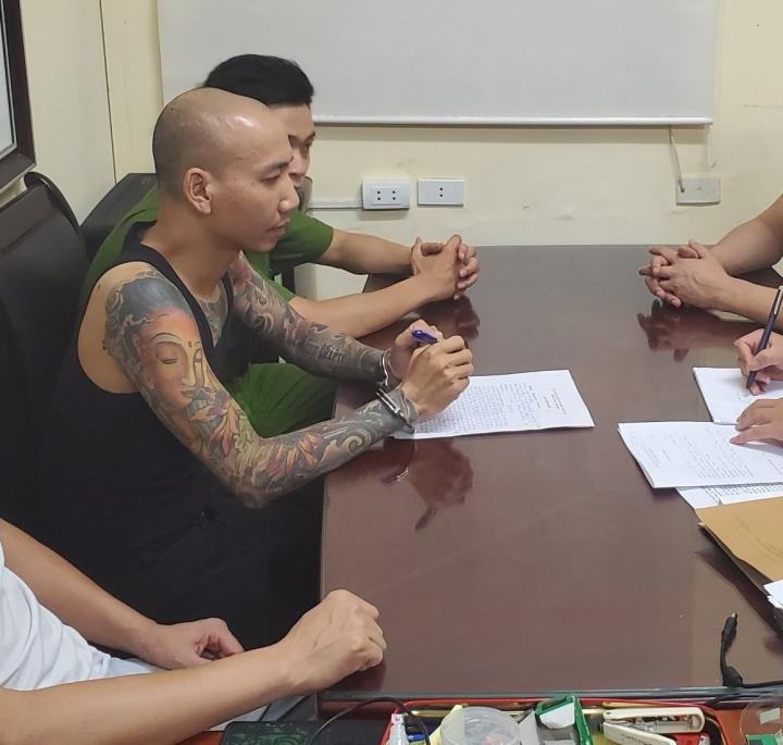 'Giang hồ mạng' Phú Lê sắp hầu tòa bỗng được tự do: Luật sư phân tích thế nào?