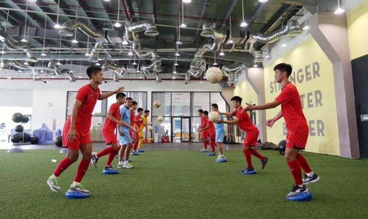 Vingroup chuyển giao Trung tâm PVF cho Tập đoàn Giáo dục Văn Lang - 1