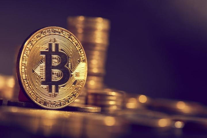 Giá Bitcoin hôm nay 25/10: Tiếp tục tăng 'nóng', thị trường rực sắc xanh - 1