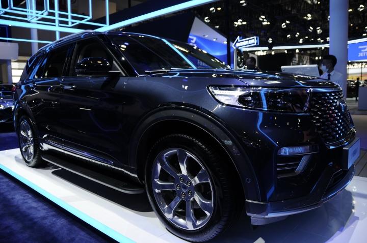 Đọ 'độ chất' Ford Explorer 2020 bản Trung Quốc và Mỹ