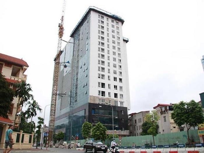 Phá dỡ xong tầng 18 tòa nhà 8B Lê Trực - 1