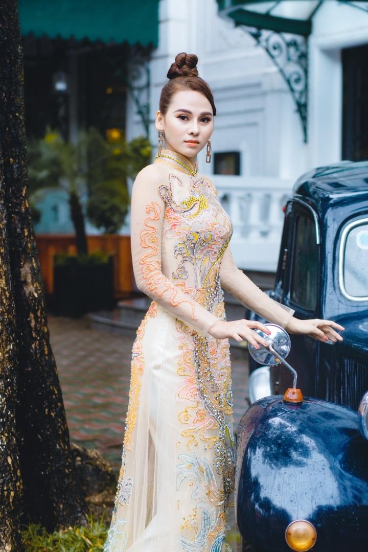 Hoa khôi Thời trang Khánh My đẹp sang trọng với áo dài đính đá - 4