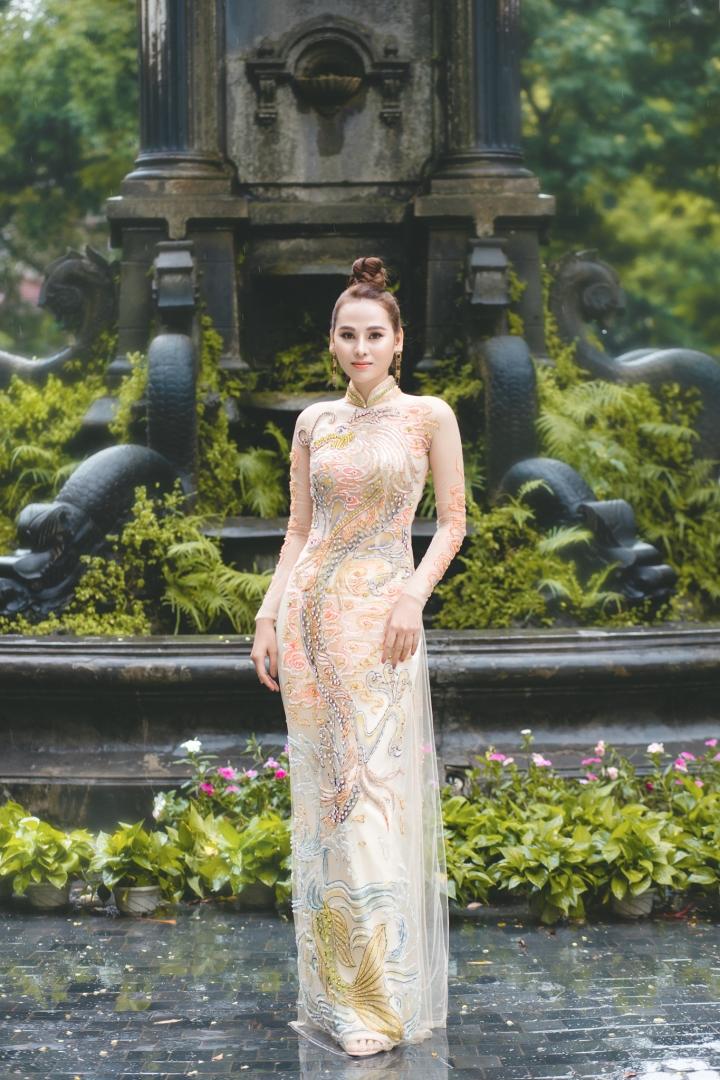 Hoa khôi Thời trang Khánh My đẹp sang trọng với áo dài đính đá - 2