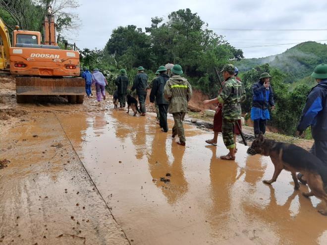 TRỰC TIẾP: Tìm thấy 11 thi thể cán bộ, chiến sĩ Đoàn 337 bị đất sạt lở vùi lấp - 21