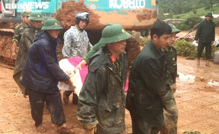 TRỰC TIẾP: Tìm thấy 12 thi thể cán bộ, chiến sĩ Đoàn 337 bị đất sạt lở vùi lấp - 12