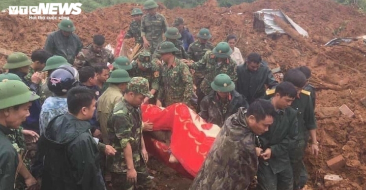 TRỰC TIẾP: Tìm thấy 12 thi thể cán bộ, chiến sĩ Đoàn 337 bị đất sạt lở vùi lấp - 7