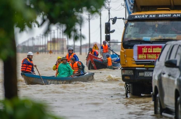 Thiên tai sẽ cướp đi hàng tỷ USD tăng trưởng kinh tế của Việt Nam - 3