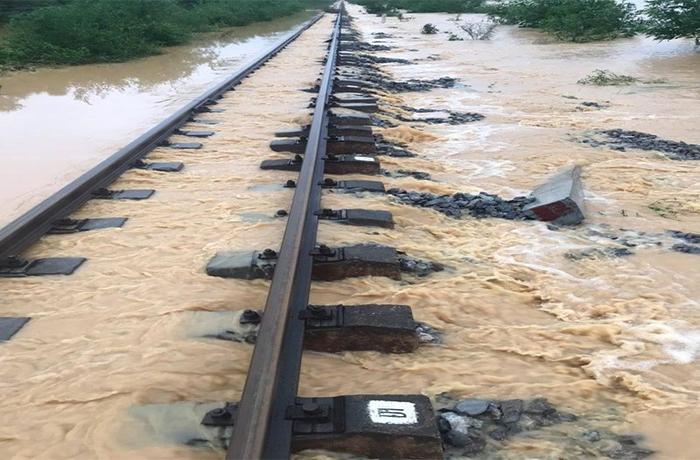 Ngành đường sắt thiệt hại gần 27 tỷ đồng vì lũ lụt tại miền Trung - 1