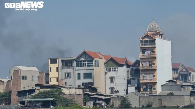 Kinh hãi 300 ống khói xả thẳng lên trời ở làng tái chế nhôm lớn nhất miền Bắc - 7