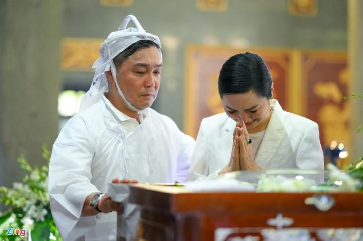Giáng My, Ngọc Trinh khóc trong tang lễ NSND Lý Huỳnh - 7