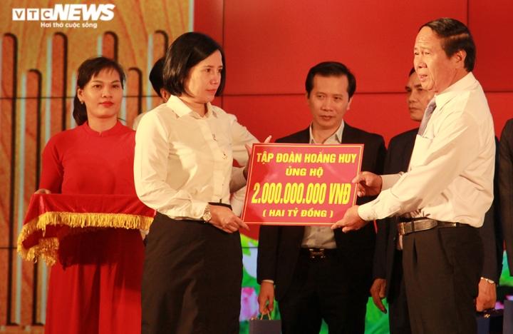 TP Hải Phòng ủng hộ 120 tỷ đồng và 200 tấn gạo giúp đồng bào miền Trung - 8