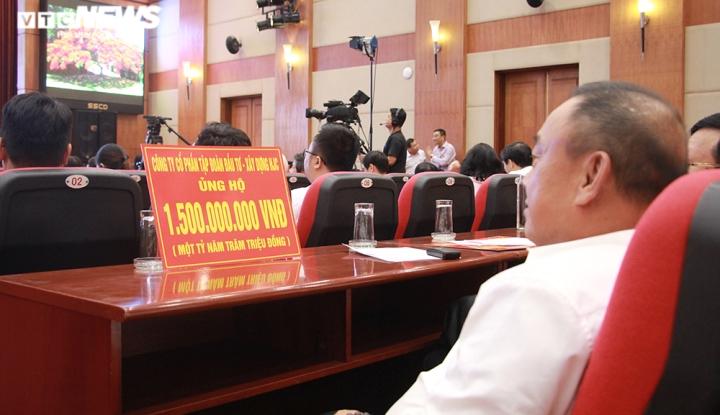 TP Hải Phòng ủng hộ 120 tỷ đồng và 200 tấn gạo giúp đồng bào miền Trung - 2