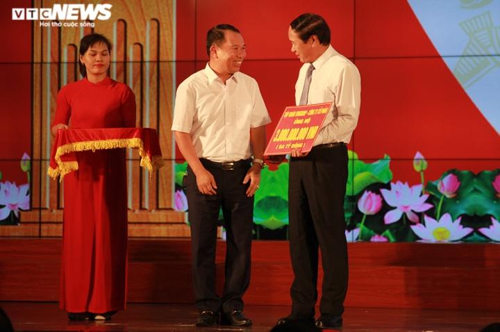 TP Hải Phòng ủng hộ 120 tỷ đồng và 200 tấn gạo giúp đồng bào miền Trung - 6