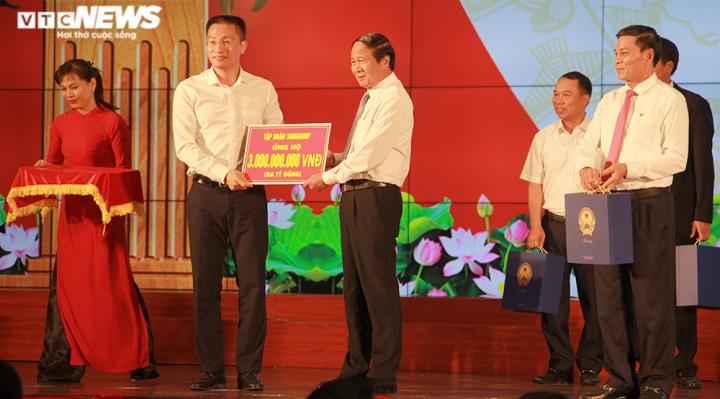 TP Hải Phòng ủng hộ 120 tỷ đồng và 200 tấn gạo giúp đồng bào miền Trung - 5