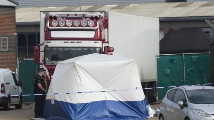Vụ 39 người chết trong container: Nhân chứng người Việt khai tình tiết bất ngờ - 1