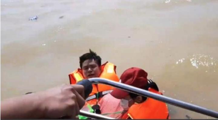 Hàng hóa cứu trợ miền Trung ứ đọng rất nhiều: Thứ trưởng Quốc phòng lý giải - 3