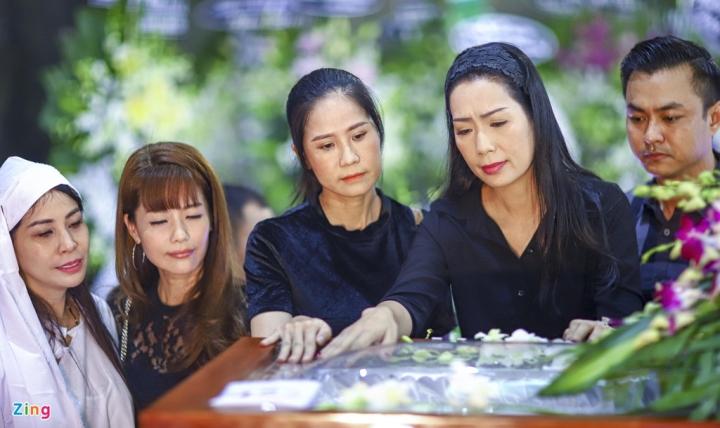 NSND Thành Lộc, MC Quyền Linh viếng NSND Lý Huỳnh - 8