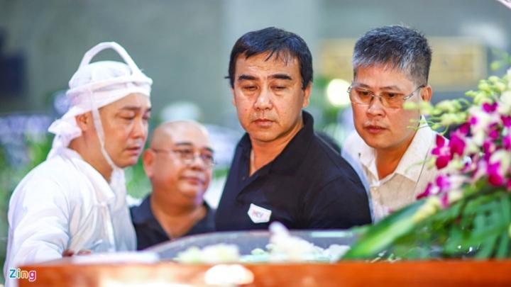 NSND Thành Lộc, MC Quyền Linh viếng NSND Lý Huỳnh - 6