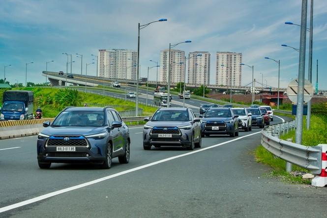 Dàn SUV Toyota gây ấn tượng trong hành trình Hà Nội - Quảng Ninh - 1