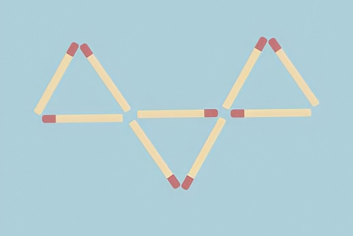 Đố bạn di chuyển 4 que diêm để tạo thành 5 hình tam giác - 1