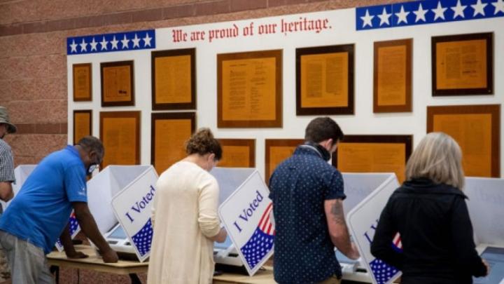Hơn 52 triệu cử tri Mỹ đi bỏ phiếu sớm - 1