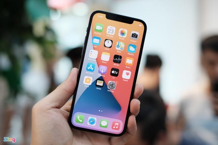 'Đập hộp' chiếc iPhone 12 đầu tiên về Việt Nam - 10