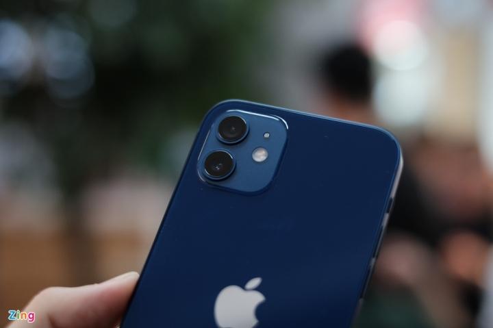 'Đập hộp' chiếc iPhone 12 đầu tiên về Việt Nam - 2