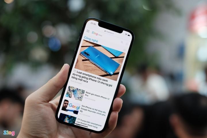 'Đập hộp' chiếc iPhone 12 đầu tiên về Việt Nam - 5