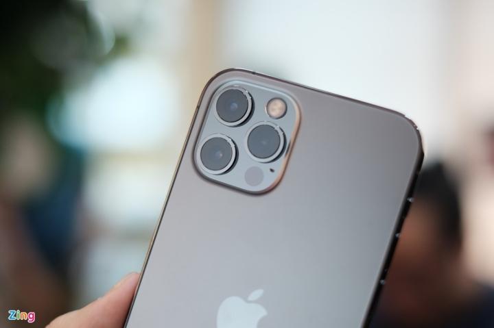 'Đập hộp' chiếc iPhone 12 đầu tiên về Việt Nam - 8