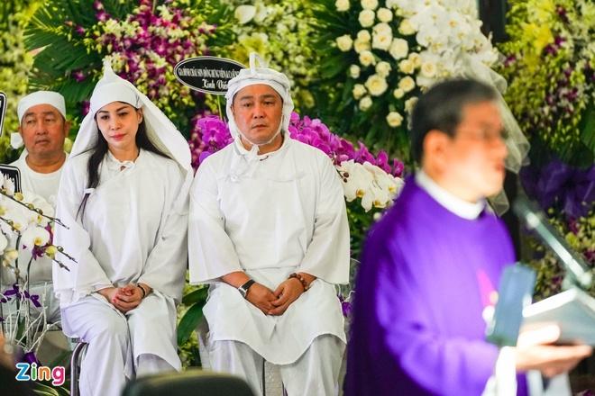 Gia đình nghẹn ngào tiễn đưa linh cữu NSND Lý Huỳnh - 1