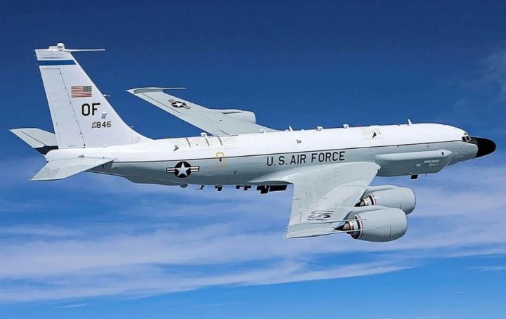 Trung Quốc giám sát trinh sát cơ Mỹ bí mật bay qua Đài Loan - 1