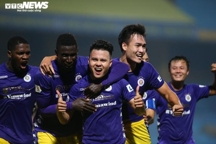 Quang Hải ghi bàn phút 89, Hà Nội FC ngược dòng thắng B.Bình Dương - 2