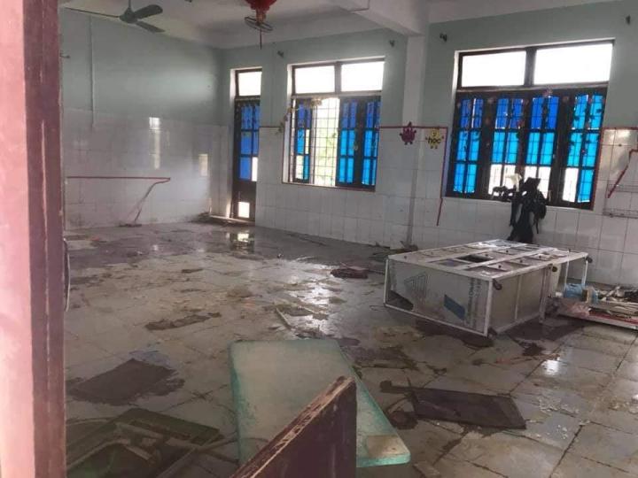 Trường lớp tan hoang sau lũ, giáo viên nỗ lực khắc phục sớm đón học sinh - 5