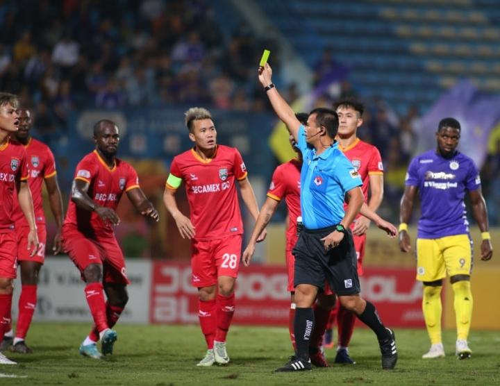 Thua Hà Nội FC, HLV Bình Dương trách trọng tài thổi bất lợi - 1